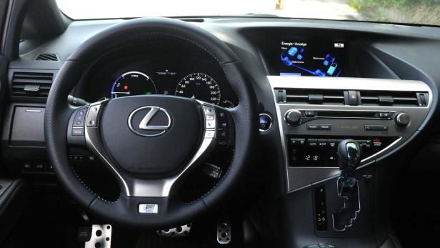 Nobles Ambiente im Cockpit