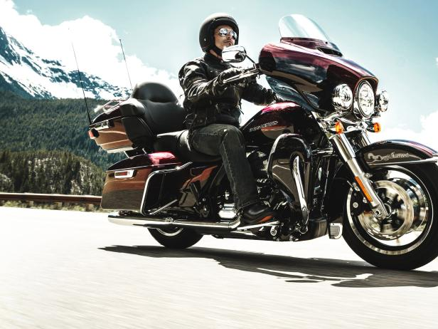 Electra_Glide_Ultra_Limited_Low_2015.jpg