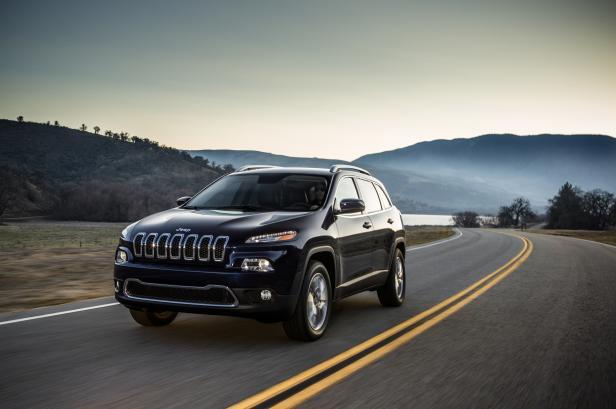 Jeep%20Cherokee%20on%20road.jpg