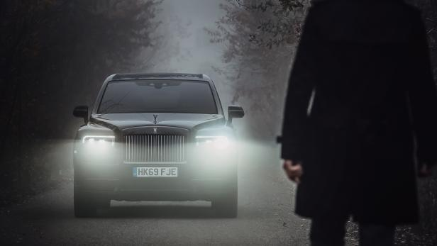 rolls-royce_motor_cars_black_badge_modena_cars_18.jpg