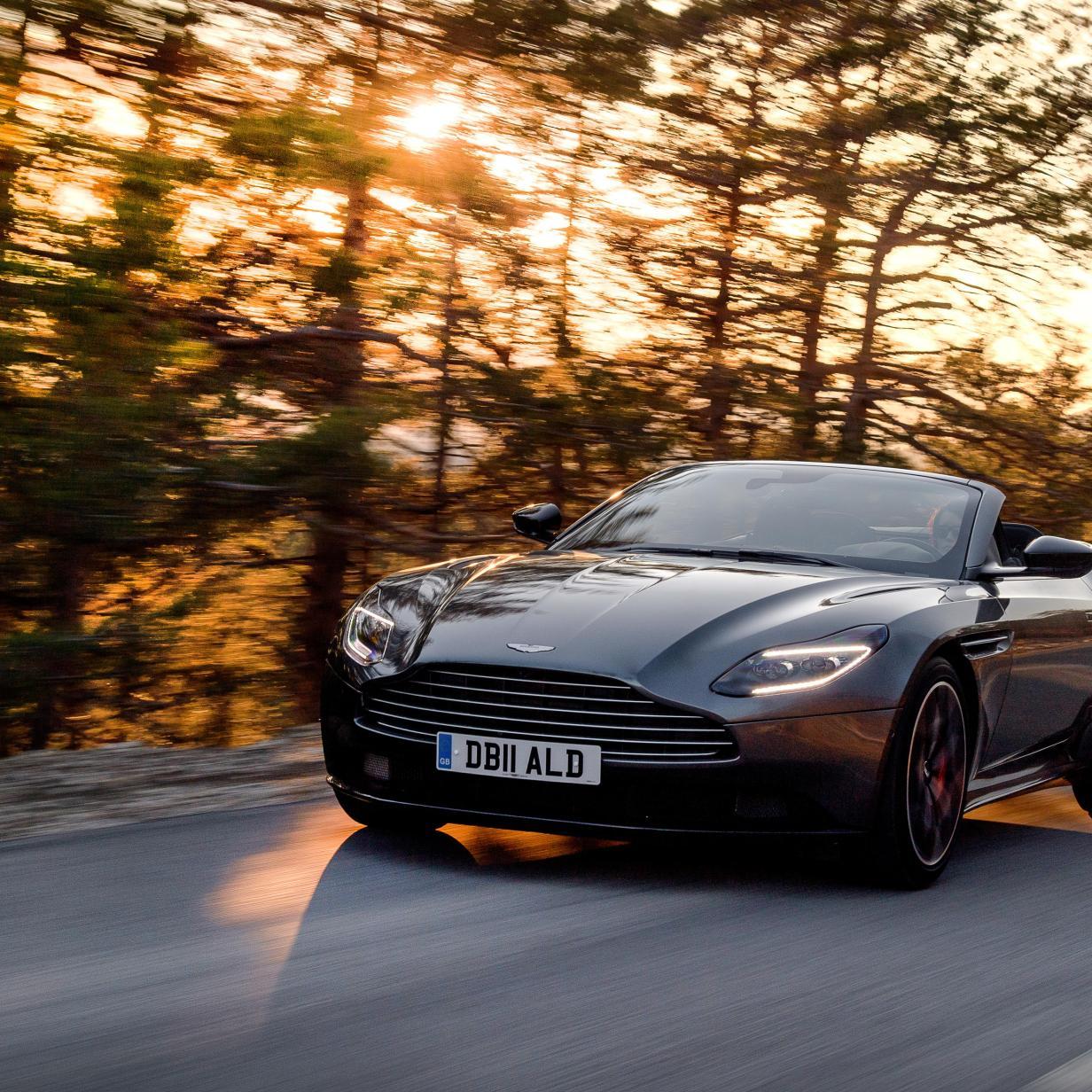 Aston Martin Db11 Volante Ausfahrt Mit Dem Luxus Cabrio Motor At