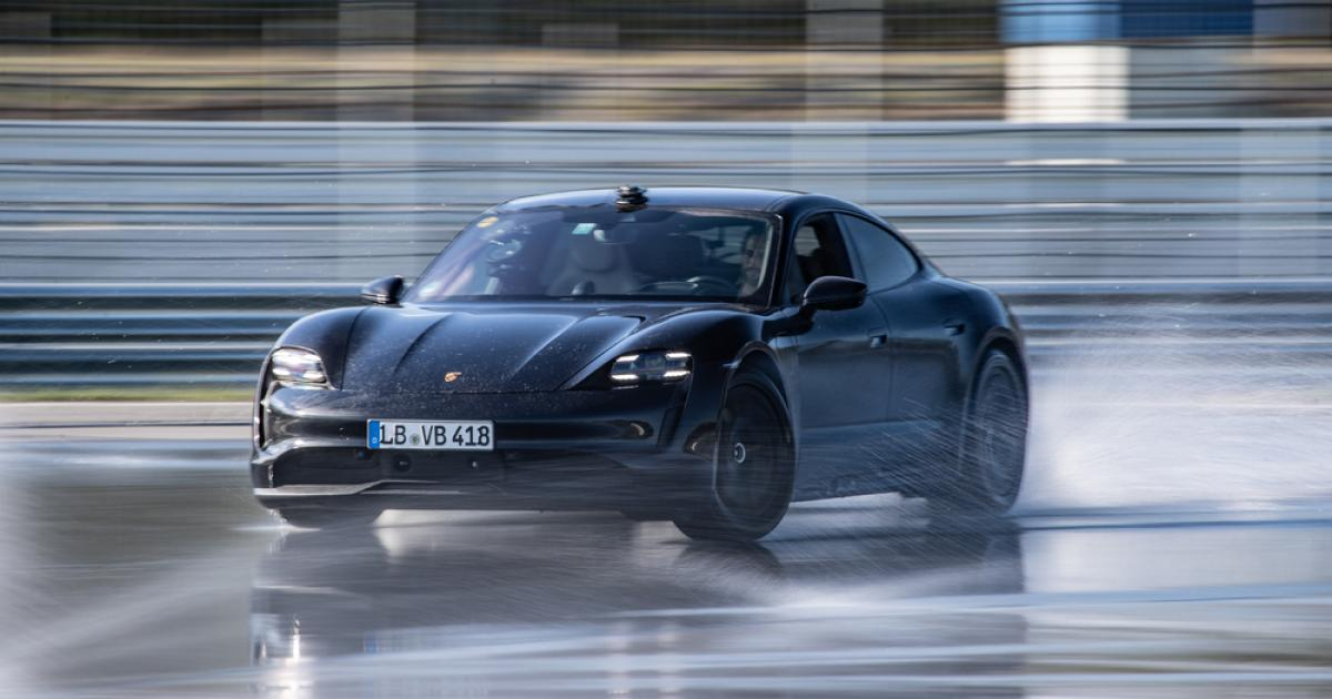 Porsche-Taycan-Marathondrift-ins-Guinness-Buch-der-Rekorde